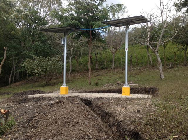 Solarpaneel für Wasserpumpen in El Barro